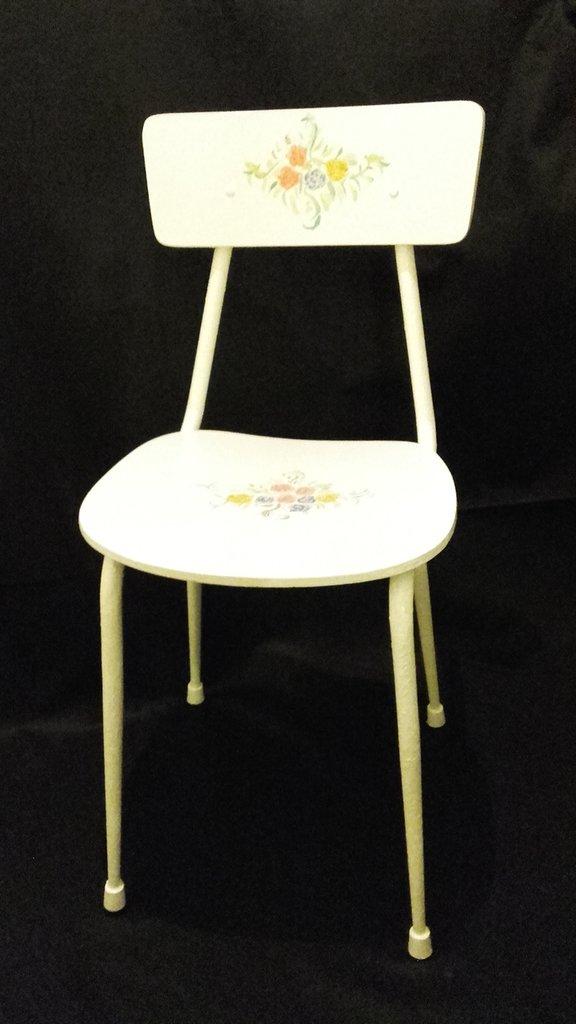 Sedie Vintage Anni 60.Sedia Crema Vintage Anni 60 Pitturata E Decorata A Mano Per La