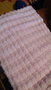 Copertina rosa  fatta a mano per carrozzina