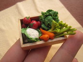 1/12 MINIATURE - cesto di verdura   °°°   vegetables basket / chest