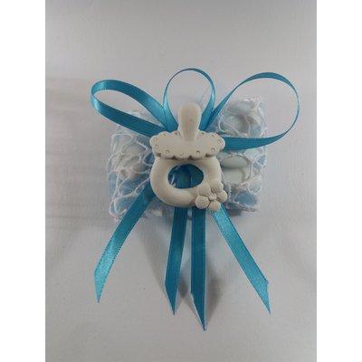 Ciuccio con fiore gesso ceramico su doppio velo rete bomboniera nascita battesimo