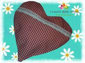 Cuscino con pula di miglio e fiori di camomilla ( cuore)