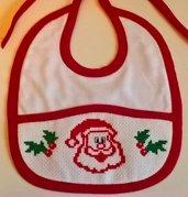 Bavaglino rosso Babbo Natale 2 ricamato a mano a punto croce