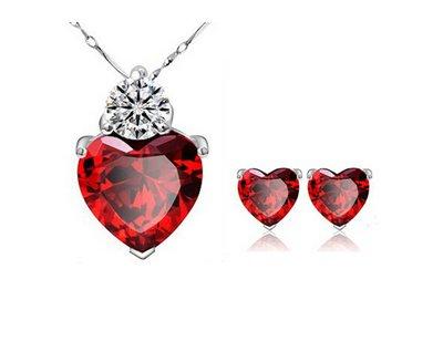 Set di gioielli in cristallo a forma di cuore rosso pendenti e collane Stud orecchino placcato argento catena per le donne