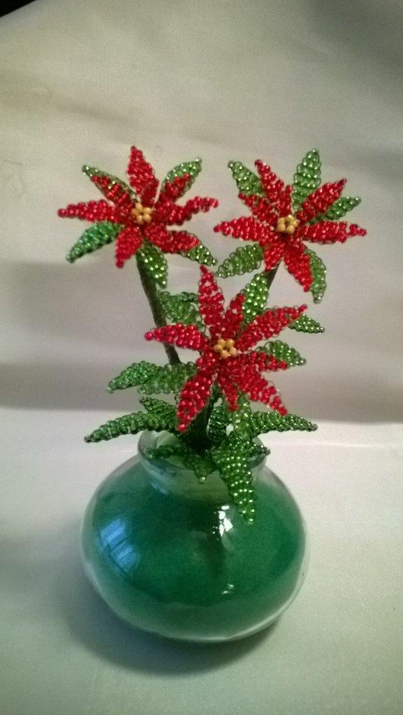 Stella Di Natale Con Perline.Vasetto Tre Stelle Di Natale Di Perline