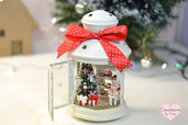 Lanterna di Natale con miniature interamente realizzate a mano