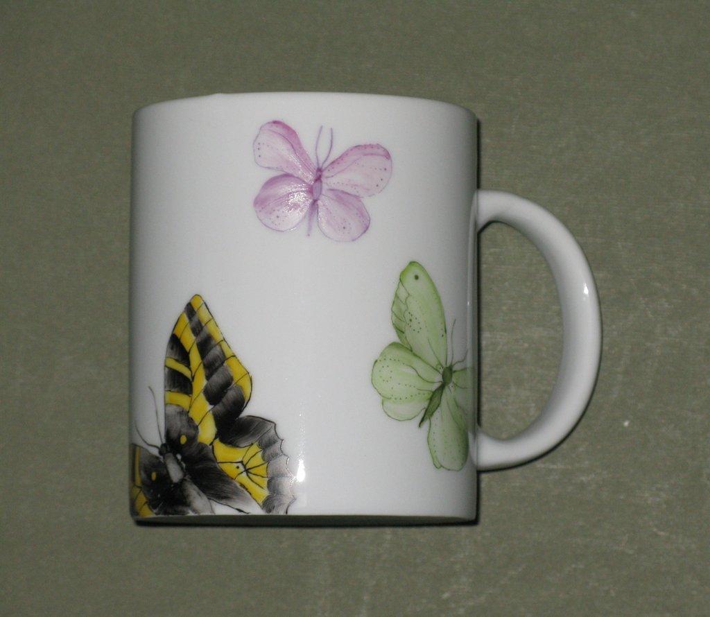 Tazza mug con farfalle