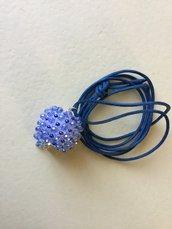 Sfera di cristallo blu