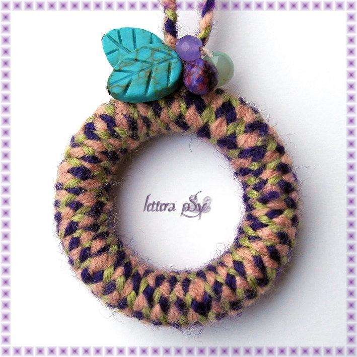 """""""Peace & Wool, violet"""" - Collana in legno e lana"""