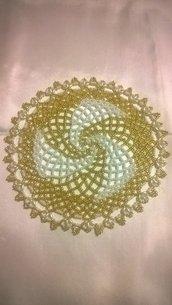 Bellissimo Centro di perline di vetro color oro e bianco