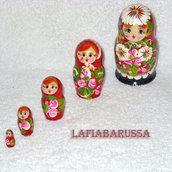 matrioska russa con il fiore