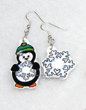 Orecchini Natale pinguino con fiocco di neve in shrink
