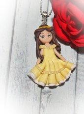 collana con doll's realizzata a mano in fimo raffigurante Belle
