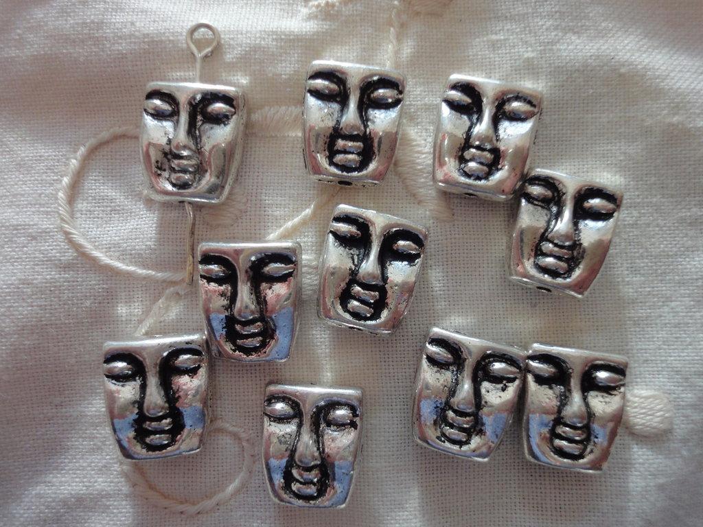 10 Distanziatori Maschere in metallo color argento 12x10 mm.