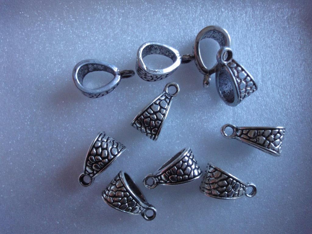 10 Connettori per bracciali o collane con anello per ciondolo metallo color argento 14x7mm.