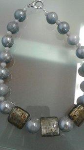 collana girocollo grigia
