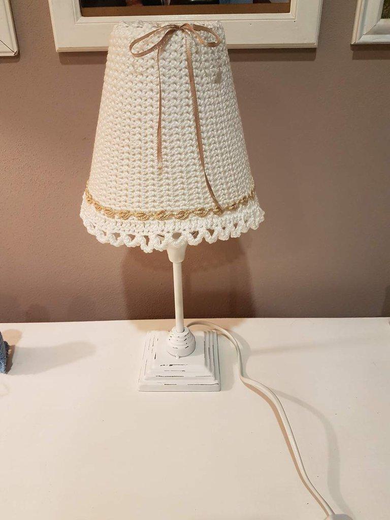 abat jour o lampada da tavolo shabby per la casa e per te arred su misshobby. Black Bedroom Furniture Sets. Home Design Ideas