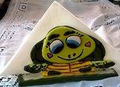 Portatovaglioli di ceramica formato da 2 rane sorridenti appoggiate su una base rettangolare