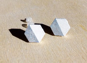 Orecchini a lobo esagono bianco e argento, orecchini a lobo, orecchini in legno, orecchini minimalisti, orecchini moderni