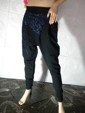 Polsini in pizzo da donna insoliti ed eleganti realizzati in cotone denso con elastan e pizzo.