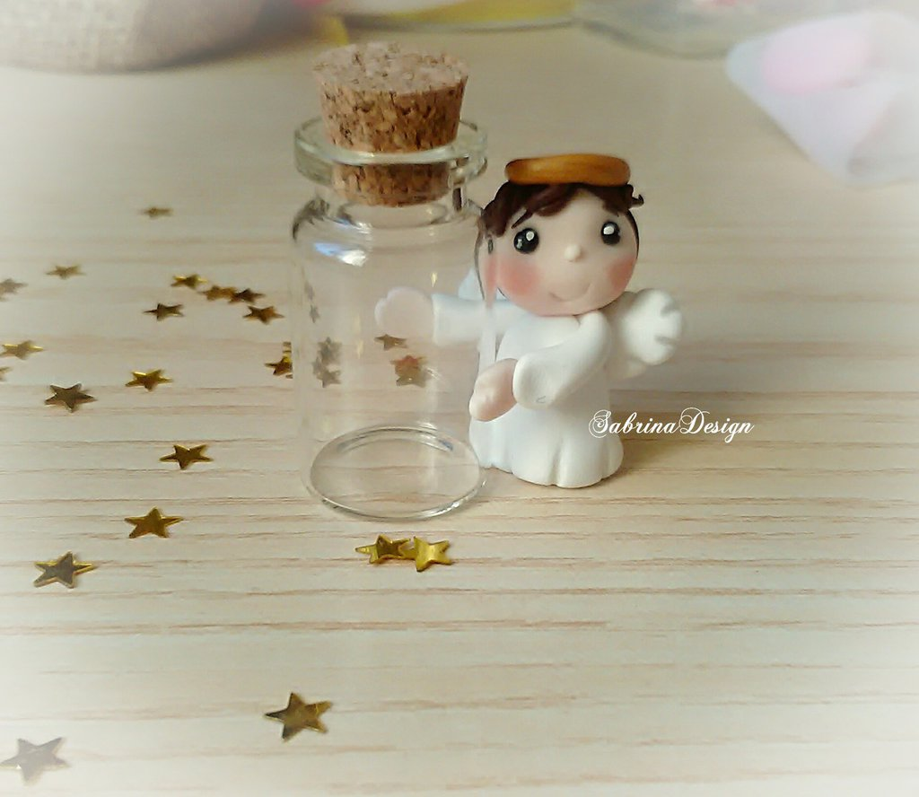 Bomboniera angelo bimbo con bottiglia vetro in fimo confettata comunione battesimo nascita
