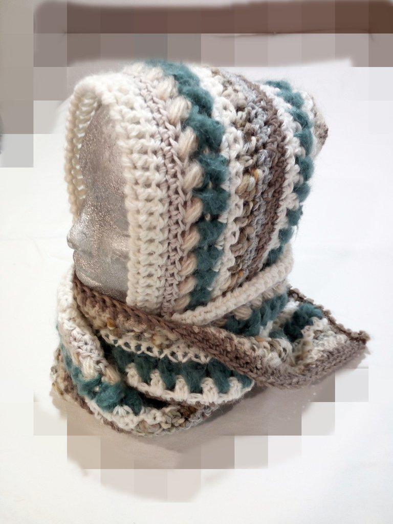 scaldacollo cappuccio tutto in uno, Hood warmer in handmade crochet wool