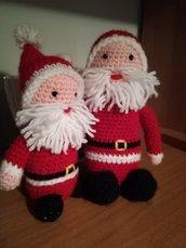 Babbo Natale fatto a mano, babbo Natale ad uncinetto, Addobbi natalizi, pensierino di Natale, amigurumi, giocattoli per bambini, Addobbi artigianali