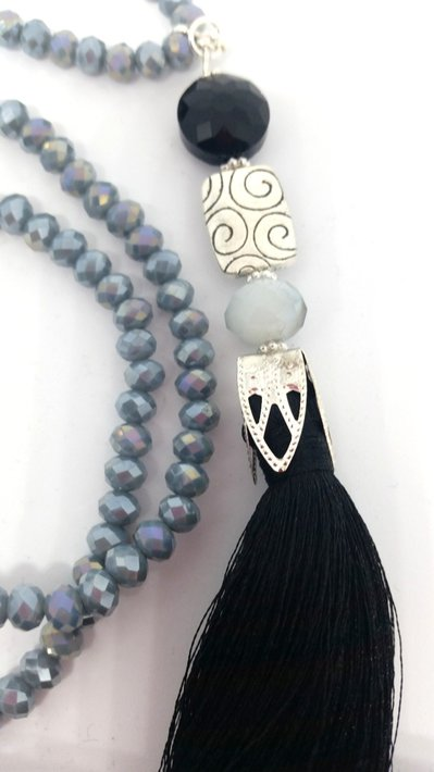 Long necklace grigia tassel black