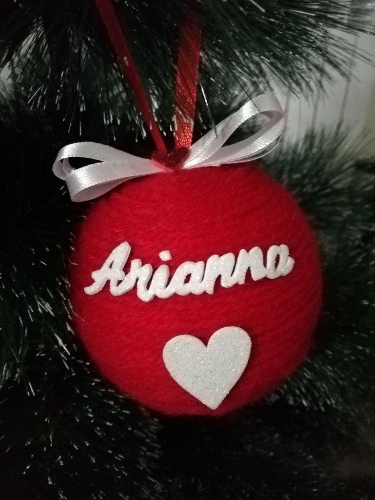 Immagini Di Natale Con Nomi.Palline Di Natale In Lana Rossa E Nome Glitter