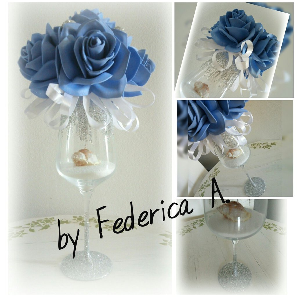 Calice centrotavola di rose azzurro Oceania