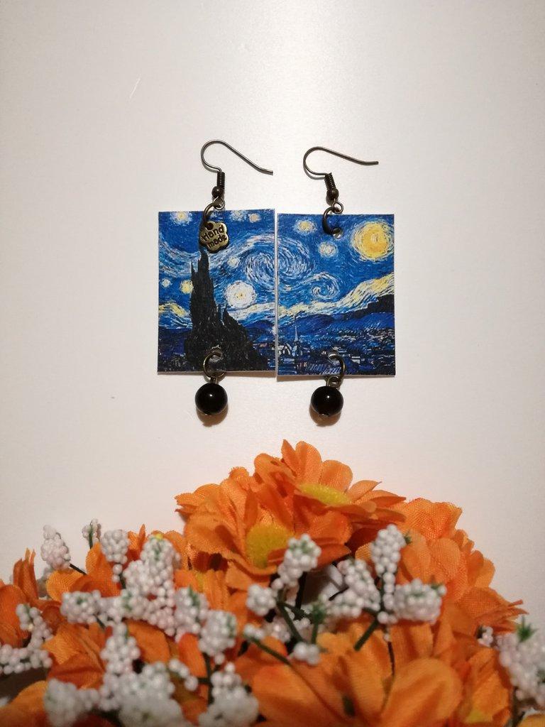 """Van Gogh orecchini di carta pendenti dedicati al dipinto """"Notte stellata"""""""