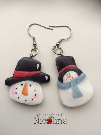Orecchini di Natale ... Pupazzo di neve con cappello in cartapesta