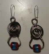 orecchini pendenti con perlina