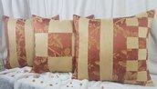 Un set di 3x. federe rimovibili sulla cerniera segreta per cuscini decorativi