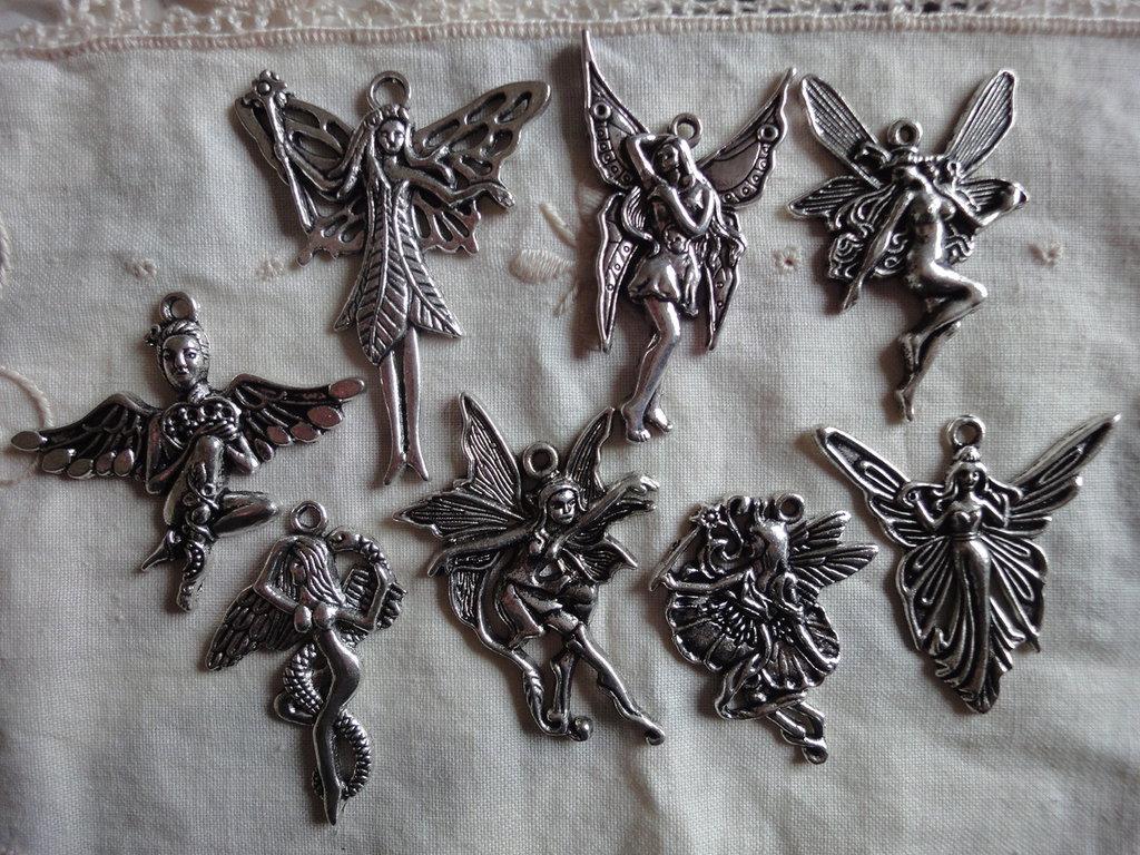 8 Ciondoli Fate Alate in metallo color argento