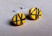Orecchini Bottoni gialli e nero Asimmetrici - Orecchini astratti, orecchini grafica giapponese, orecchini in legno