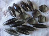 15 Perle di Vetro grigio vari misure 39x12, 30x13, 20x20 mm.