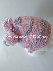 Cappello bambina in pura lana 100% con fiocco e pom pom