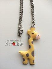 Collana lunga giraffa in cartapesta