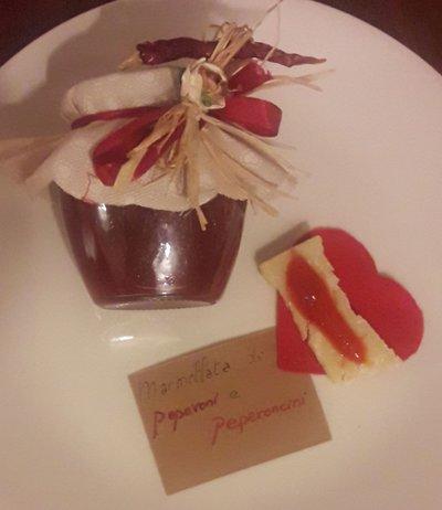 Marmellata di peperoni e peperoncini