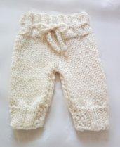 pantaloncini neonato in lana fatti a mano