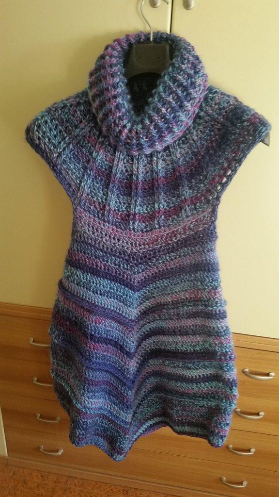 Poncho scamiciato di lana