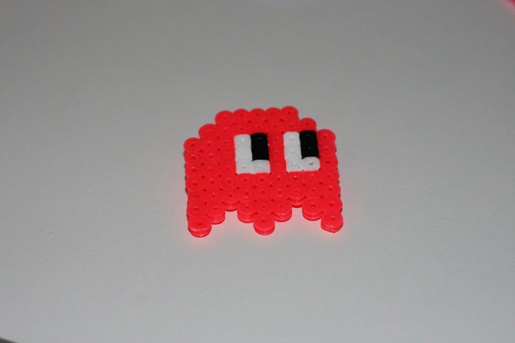 spilla hama beads fantasmino