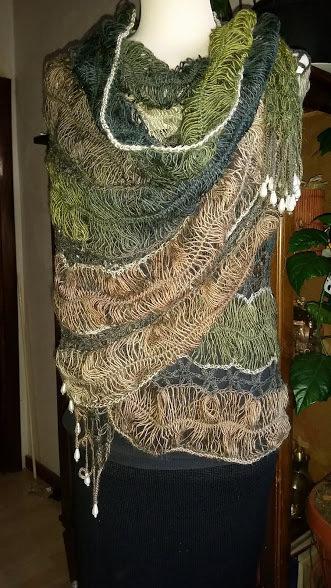 stola  di lana realizzata con la forcella