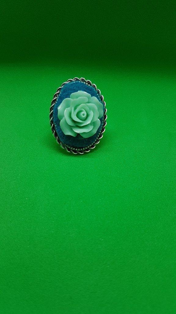 Anello ovale rosa