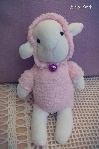 Pecorelle realizzate a mano con calzini