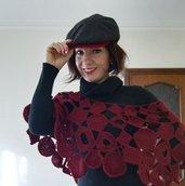 Coprispalle bordeaux con forme geometriche ad uncinetto, regalo per lei, regalo San Valentino