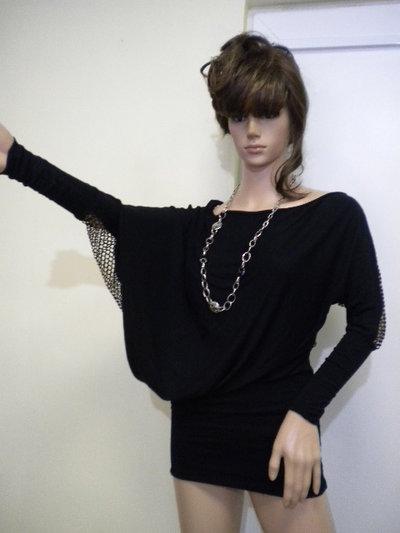 Tunica da donna non standard e asimmetrica con rete posteriore