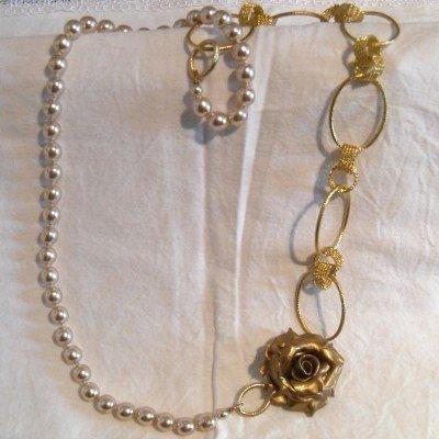 Collana rosa e perle