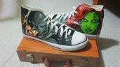 "Scarpe modello tipo Converse a tema ""Batman/Poison Ivy"""