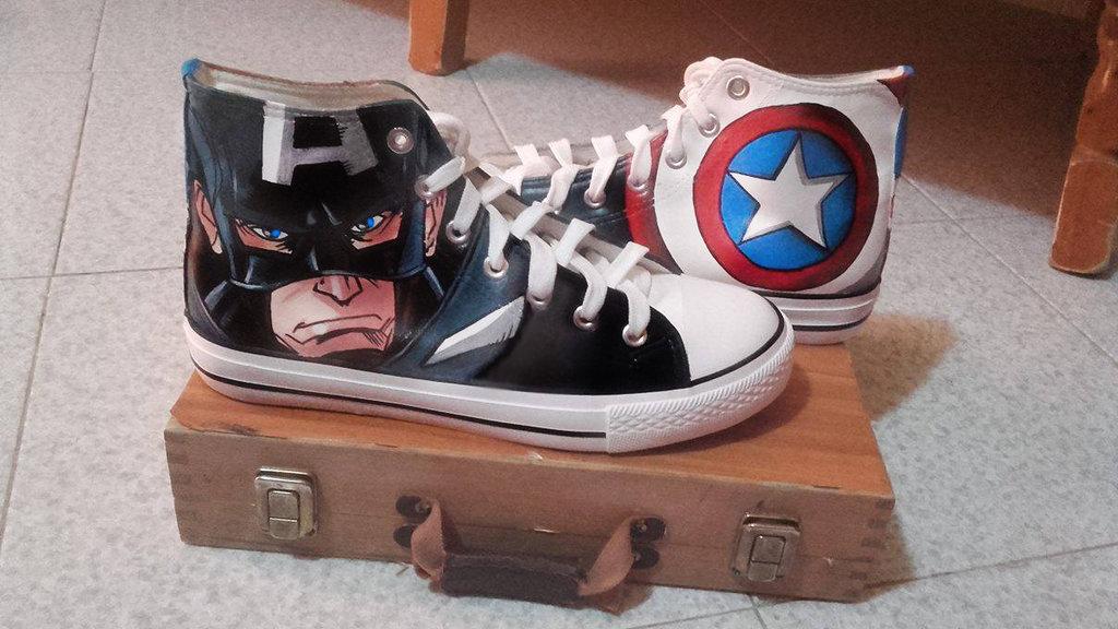 """Scarpe modello tipo Converse a tema """"Capitan America"""""""